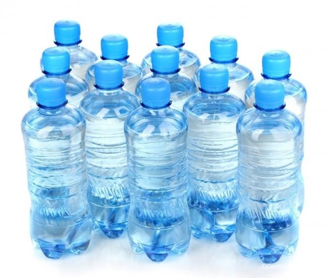 Ilustasi Botol Minuman Kemasan
